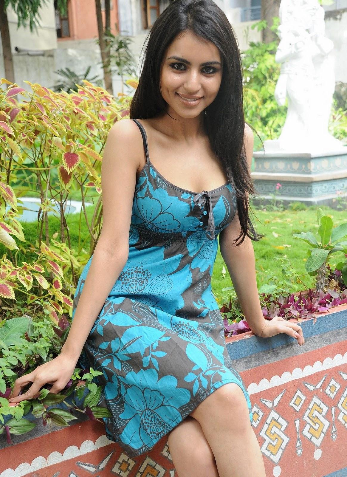 4 Artis Cantik India Mau Beradegan Seks Dan Bugil di Film XXX