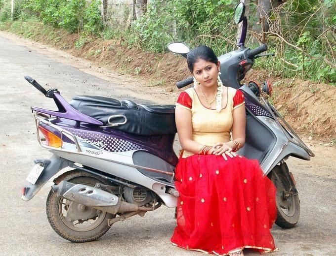 >Theneer Viduthi Heroine Reshmi Menon Stills, Reshmi Menon