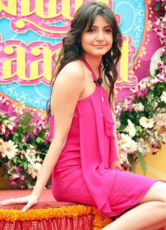 >Anushka Sharma Latest Stills, Actress Anushka Sharma ... Agent Vinod Kareena Dress