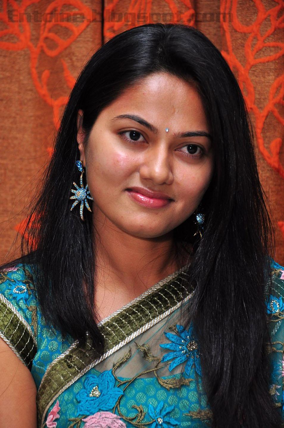Suhasini Latest Stills, Poison Telugu Movie Actress Pics -9171