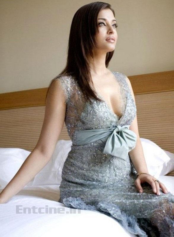 Aishwarya Rai Latest Hot Photos Stills Pics Images -8559